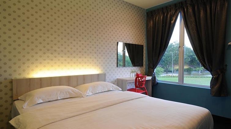 v3 hotel 1- mahkotaregency