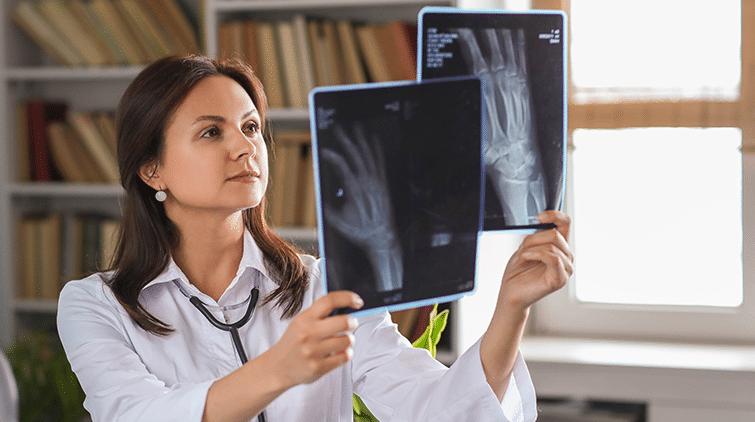 Read more about the article Tumor Tulang: Penyebab, Gejala, dan Penanganannya