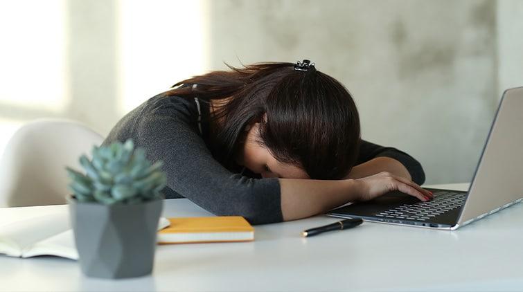 Read more about the article Sering Mengantuk dan Lelah Setelah Makan, Tanda Diabetes?